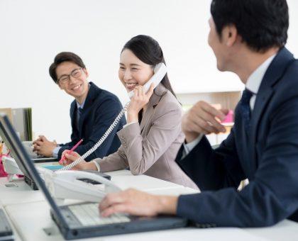 会社の机の上の整理整頓をしよう!片付けの仕方