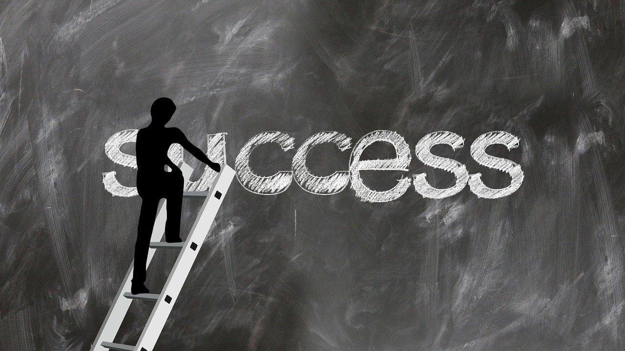 キャリアラダー導入で従業員の意欲向上と能力開発を!