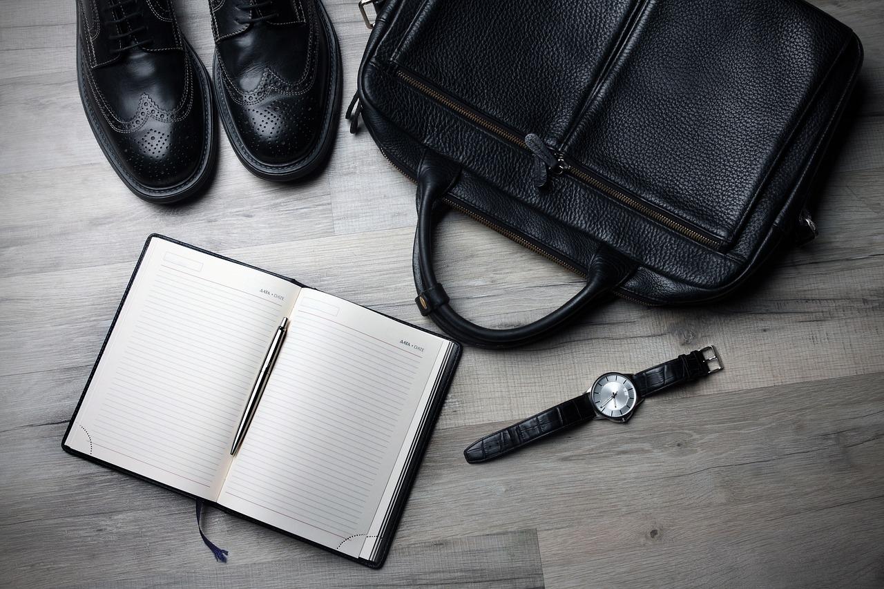 勤怠管理ツールで出張中の労働時間の明確化を!