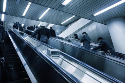日本は長時間労働?世界各国の労働時間と特色