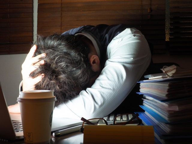 深夜0時を超えてしまったときの勤務時間の計算は?