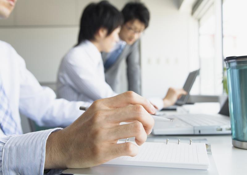 転職に有効な手段、「転職サイト」と「人脈」が僅差。ヘイズの転職に関する調査