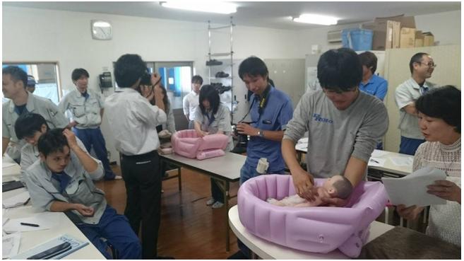 企業が男性の育児休業を考える時代、日本初「イクメン訓練校」スタート