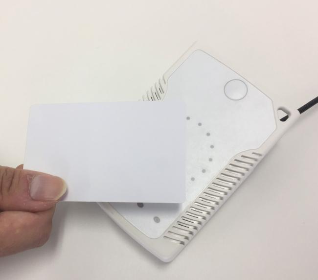 ICタイムリコーダー、小型の非接触型カードリーダー「ピットタッチ・ビズ」に対応