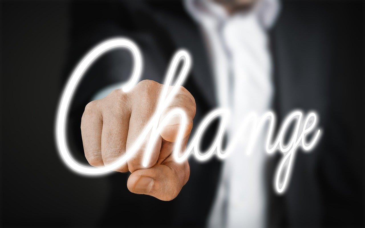 働き方改革で実際に感じた変化は?社員のホンネは…