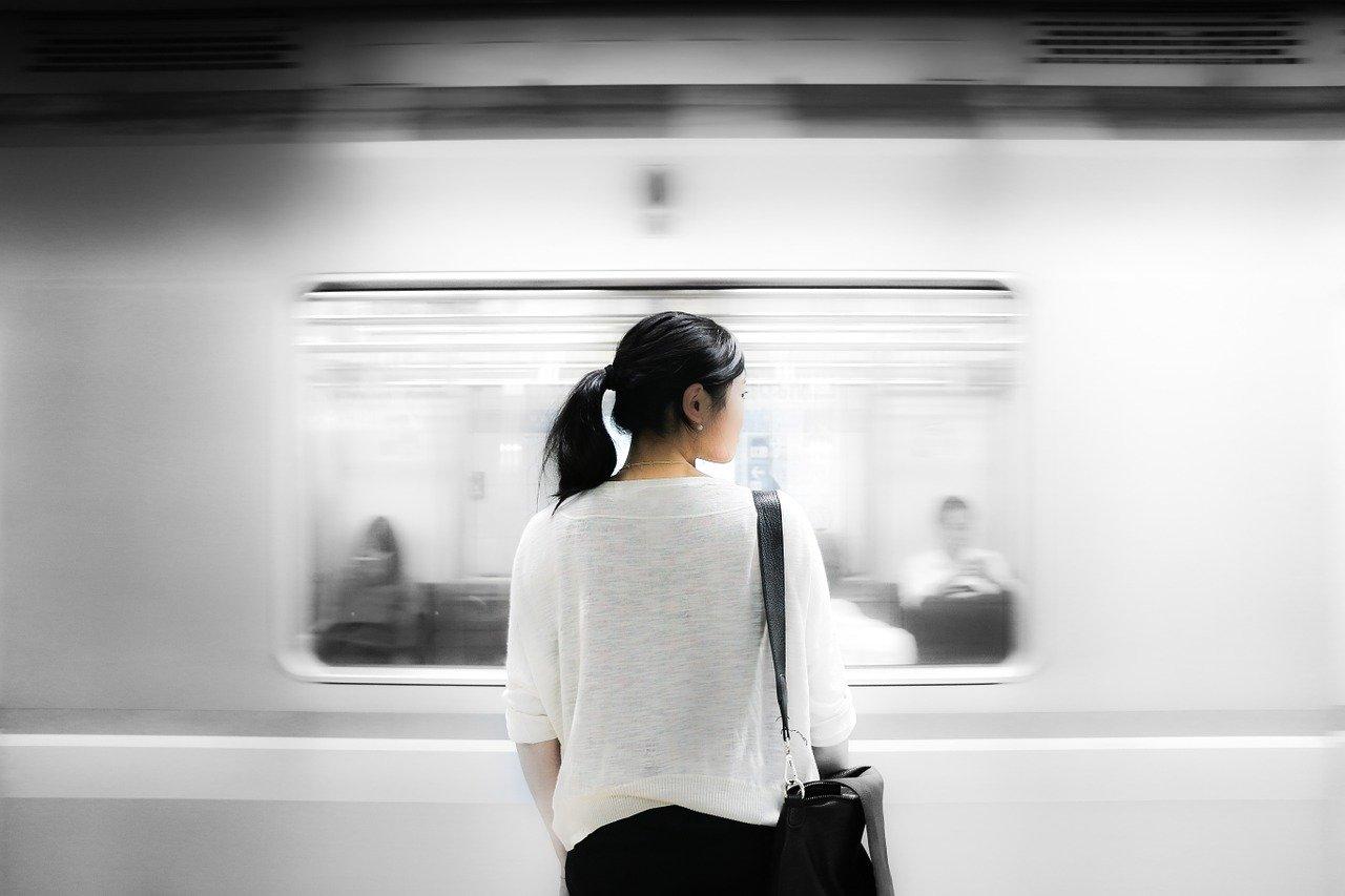 満員電車のストレス回避!「時差Biz」導入で働く意欲向上