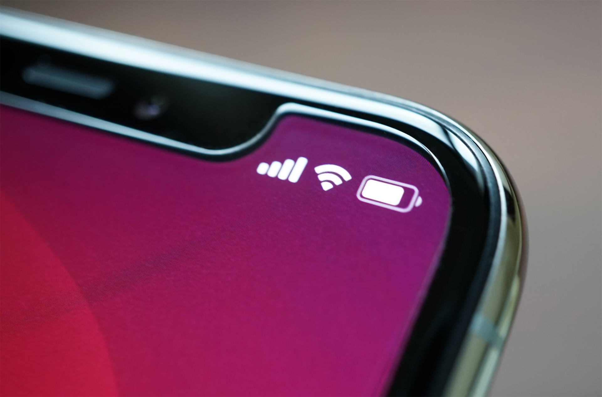 スマホやタブレットのバッテリーを長持ちさせる4つの方法とは?